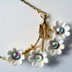 white daisy bib necklace with crystal accents